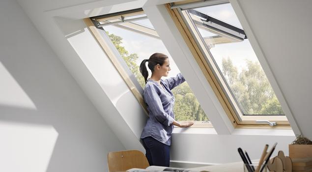 Okna Velux – wygoda otwierania okien na poddaszu
