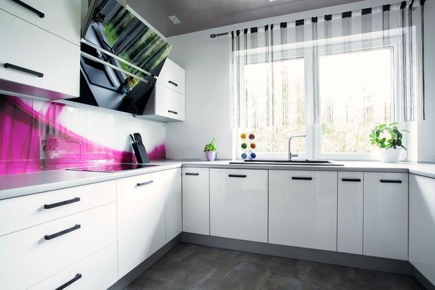 Zobacz galerię zdjęć Modna kuchnia, czyli białe meble kuchenne z fuksją  Str   -> Kuchnia Meble Biale