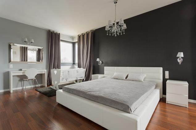 Białe meble do sypialni. Pomysł na elegancką i klasyczną aranżację