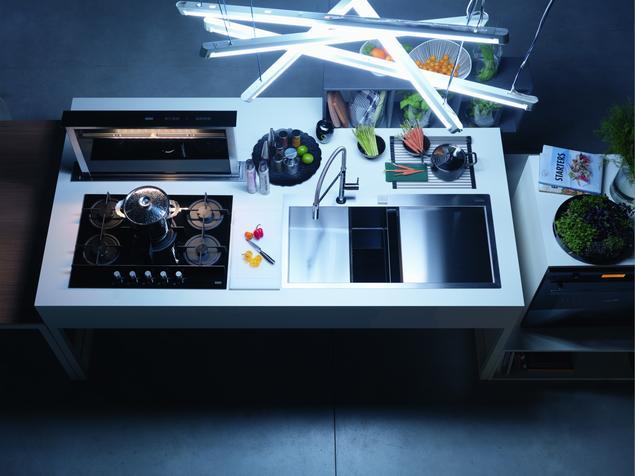 Domowe przyjęcia z kolekcją urządzeń kuchennych Franke Crystal